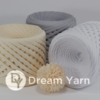 Dream Yarn trikoopael 330g